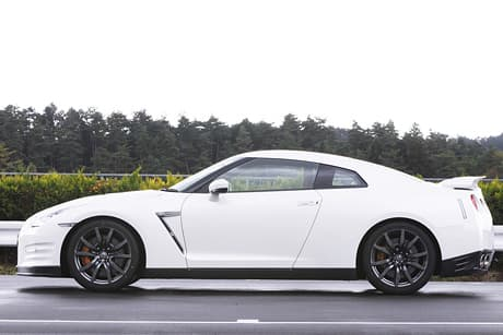 Nissan GT-R02