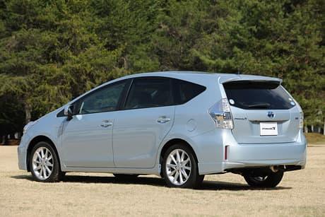 Toyota Prius α04