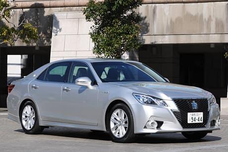 Toyota Crown HV01