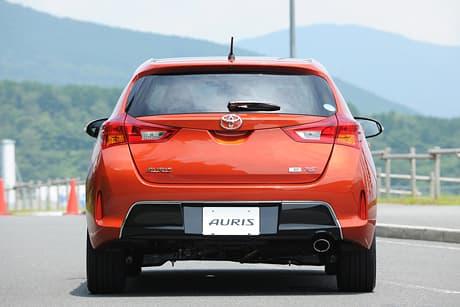 Toyota Auris03