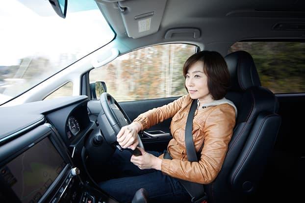 トランパスLuⅡをインプレッション中の飯田裕子。