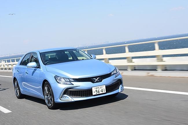 高速道路では、乗り心地の良さに加え、操安性の良さが印象的