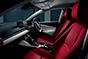 特別なデミオ誕生。艶やかな紅色のシートが官能的なインテリア。