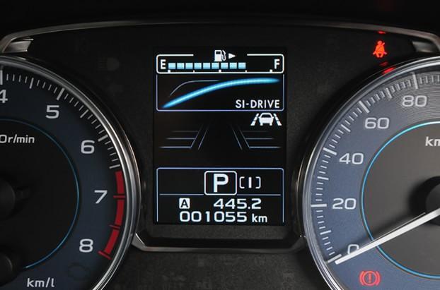 【インプレッサ】SI-DRIVEでは、走行モードによってメーターにトルクカーブを表示